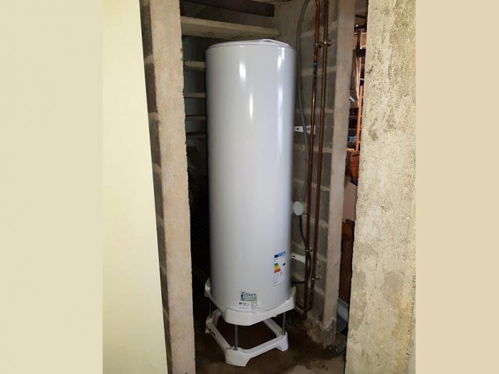 ets a ciret chauffage plomberie d pannage changement du ballon d 39 eau chaude sanitaire. Black Bedroom Furniture Sets. Home Design Ideas