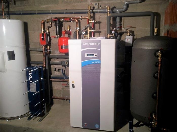 Géothermie pompe à chaleur réseau radiateurs et production d'eau chaude