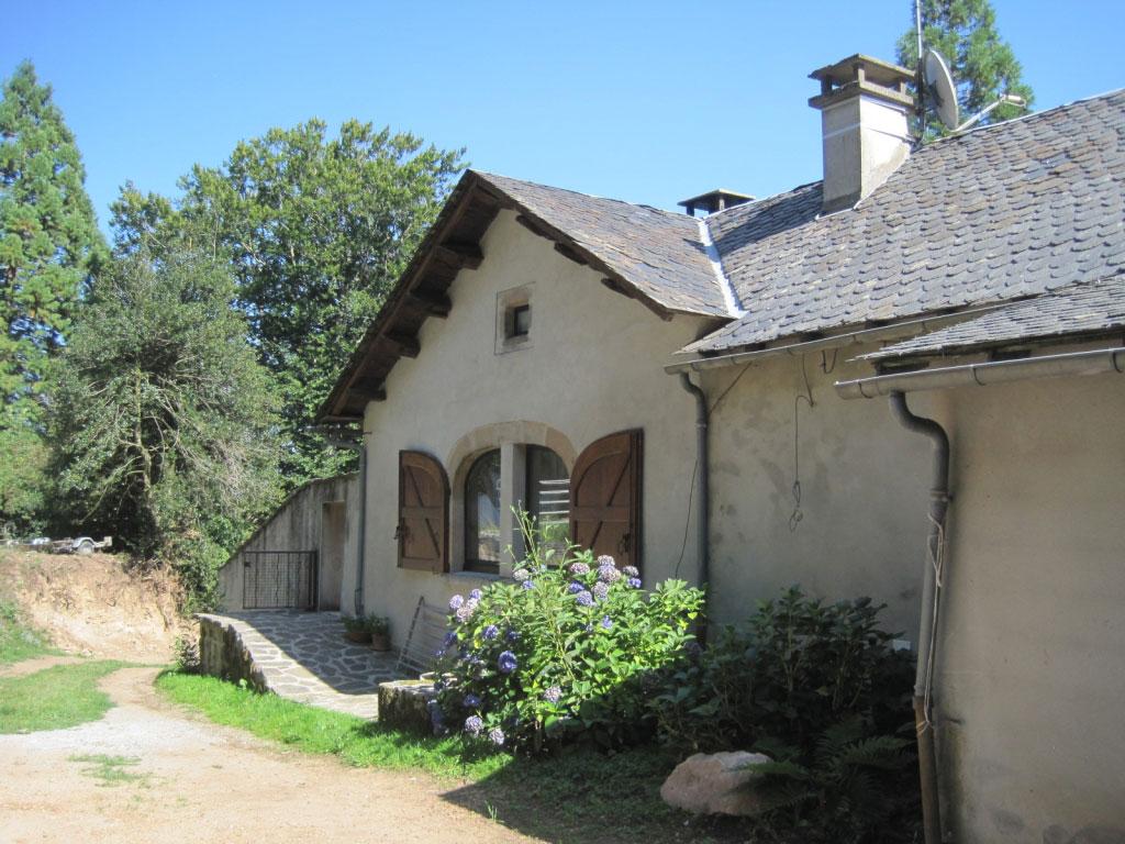 Chaudière bois plaquettes Hargassner avec silo de stockage à Vezins 12  Aveyron-Aveyron (12)