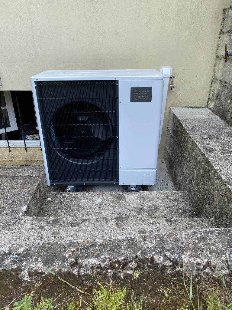 installation d'une pompe à chaleur mitsubishi electric à inguiniel