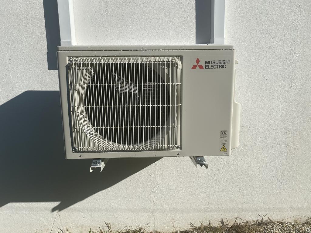 installation du pompe à chaleur air air mitusbishi electric