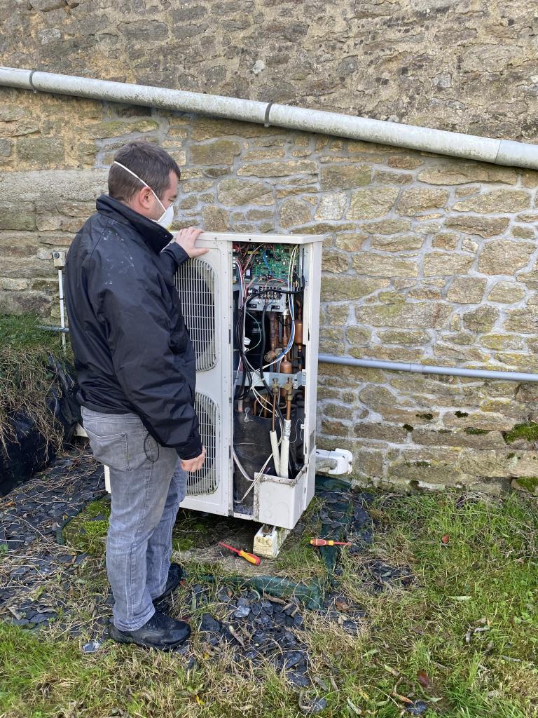 Dépannage et réparation pompe à chaleur airpac erreur E04-Morbihan (56)