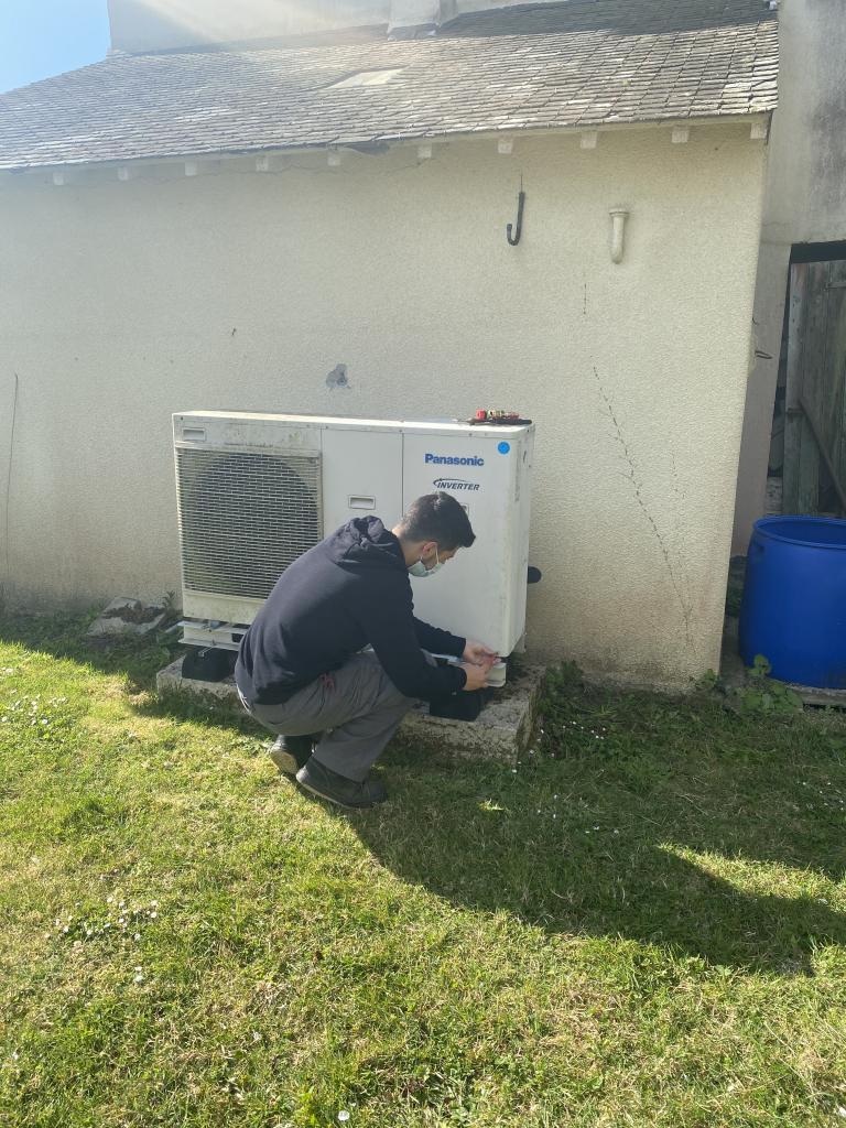Entretien pompe à chaleur chaleur Panasonic -Finistère (29)
