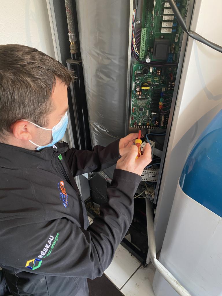 Dépannage SAV pompe à chaleur mitsubishi electric-Finistère (29)