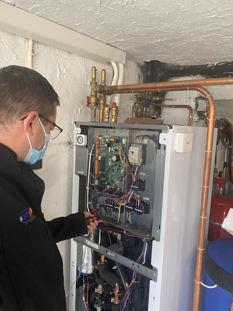 Entretien et dépannage pompe à chaleur mitsubishi électric-Finistère (29)