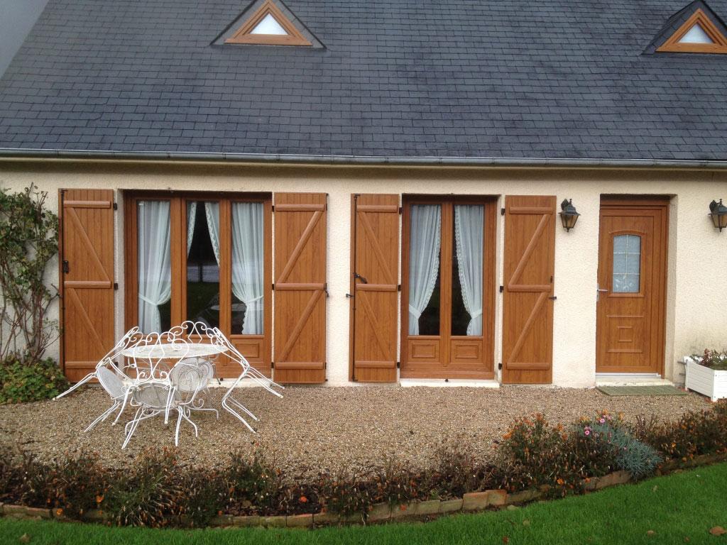 Remplacement / rénovation fenêtre et porte fenêtre Pvc chêne doré, par artisan Rge menuisier fenêtrier secteur Yvetot - Croixmare , Motteville 76-Seine Maritime (76)