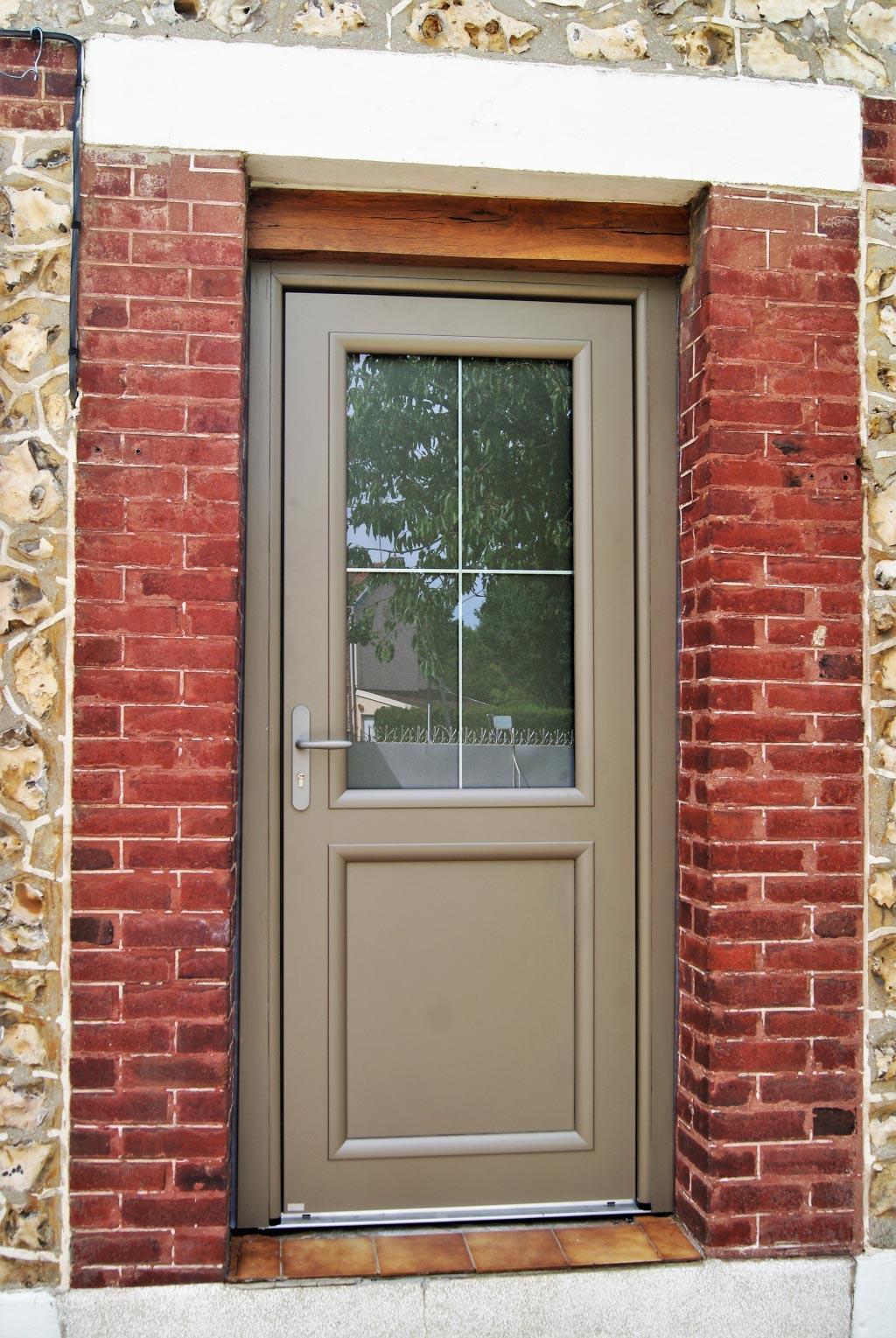 Remplacement / Installation , d'une porte d'entrée aluminium Bel'm par artisan Rge, Saint Etienne du Rouvray , 76 -Seine Maritime (76)
