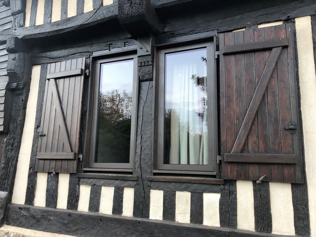 Installation de fenêtres en aluminium par artisan Rge secteur Yvetot / Fauville