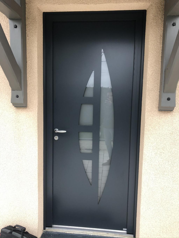 Pose d'une porte d'entrée en aluminium, secteur Yvetot, 76-Seine Maritime (76)