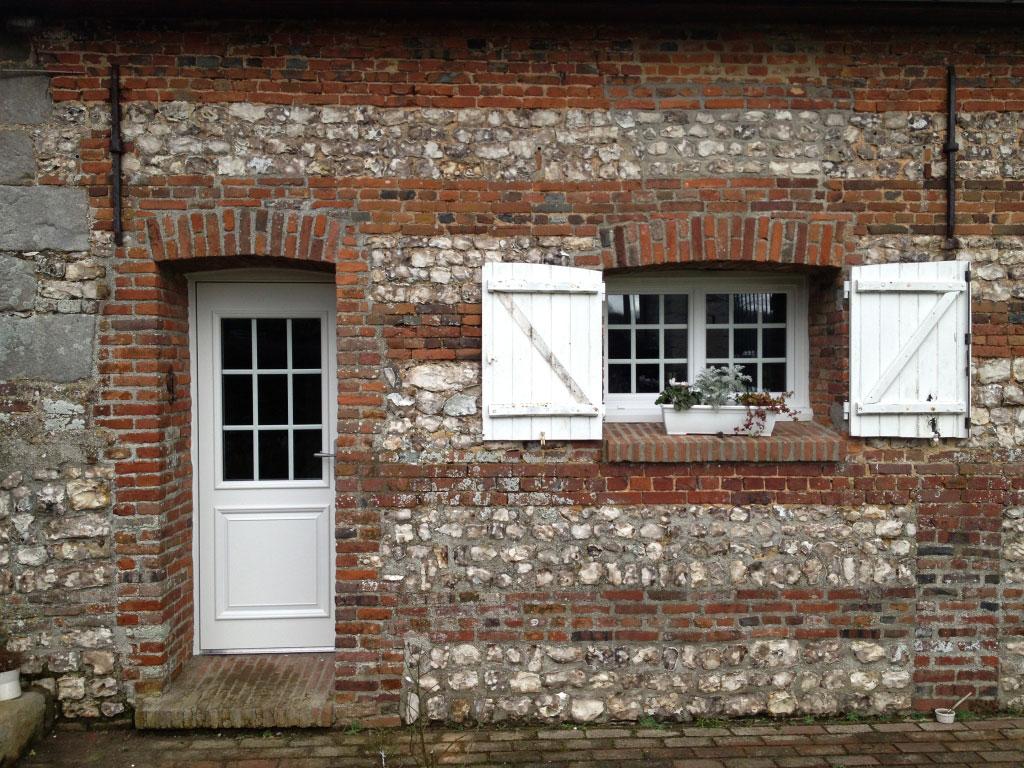 Installation / remplacement , fenêtre pvc et porte aluminium par entreprise de menuiseries Rge , secteur Yerville / Doudeville,  76 seine maritime