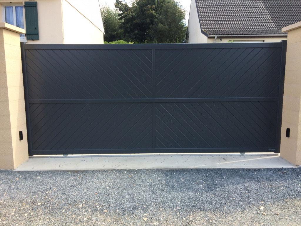 Installation / pose , Portail et clôture aluminium , par entreprise de Menuiseries ,  secteur Doudeville / Yvetot , 76 Seine-maritime-Seine Maritime (76)