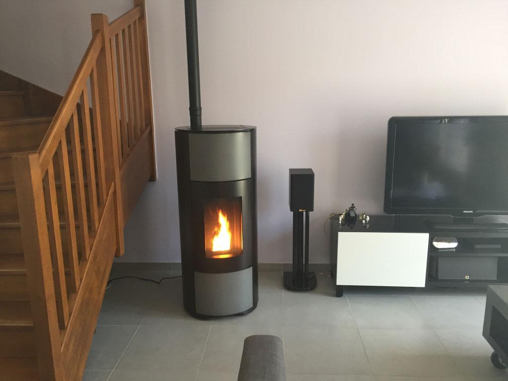 Installateur poêle à bois granulés (pellets) MCZ Halo à Seyssins - Isère (38)