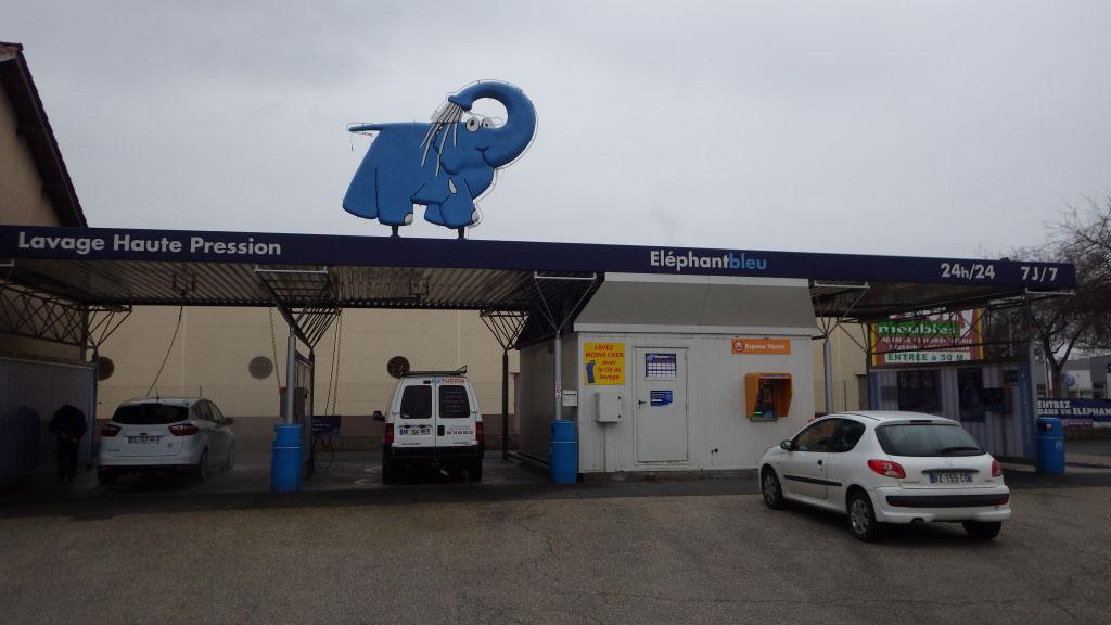 Chaudière Gaz naturel à condensation De Dietrich dans une station de lavage haute pression à Villefranche sur Saône - 69 Rhône