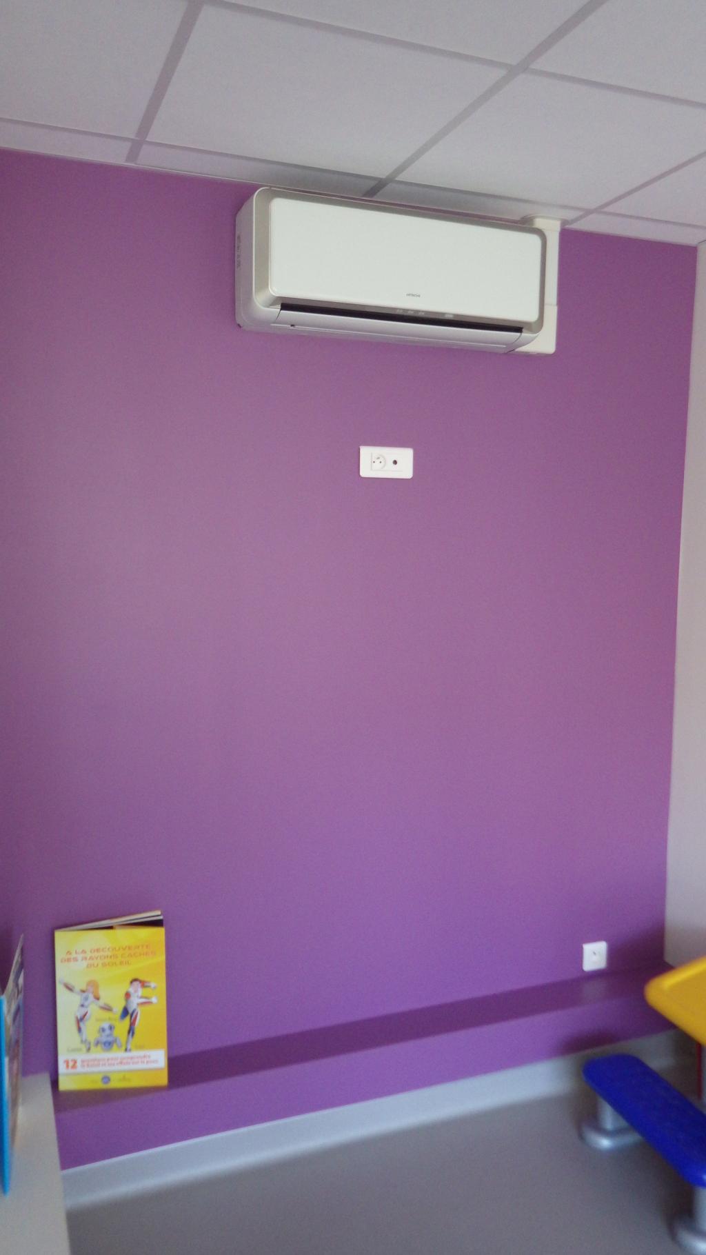 Installation de climatisation réversible HITACHI dans un immeuble-Rhône (69)