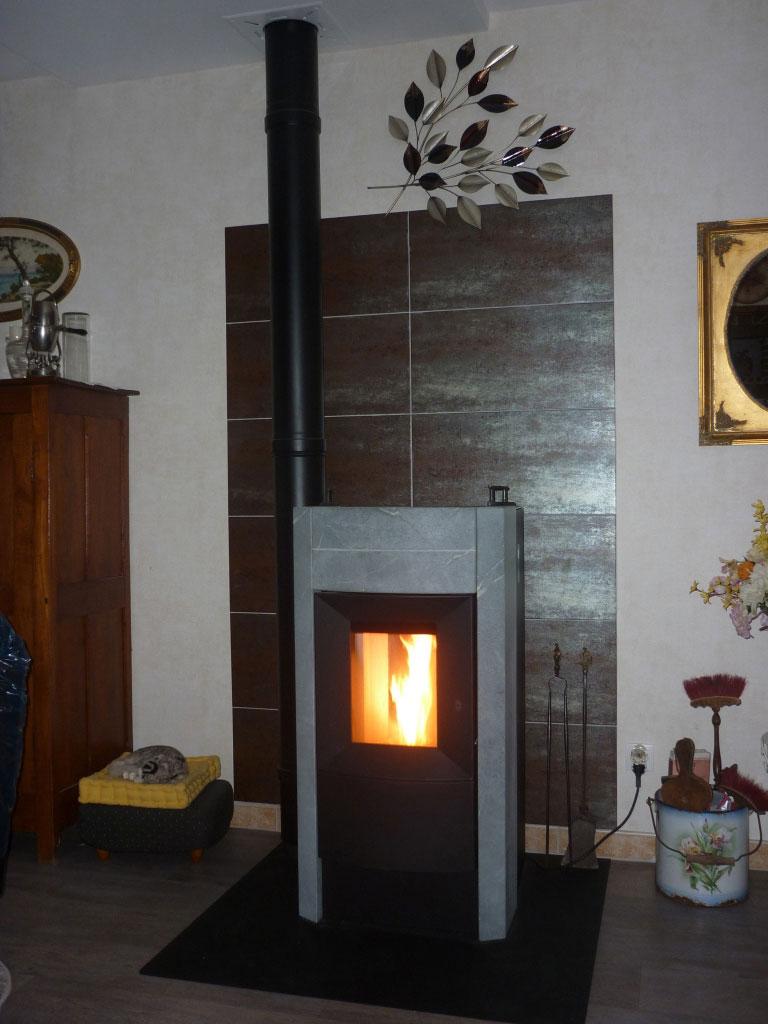 POÊLE A GRANULES RIKA REVO-Loiret (45)