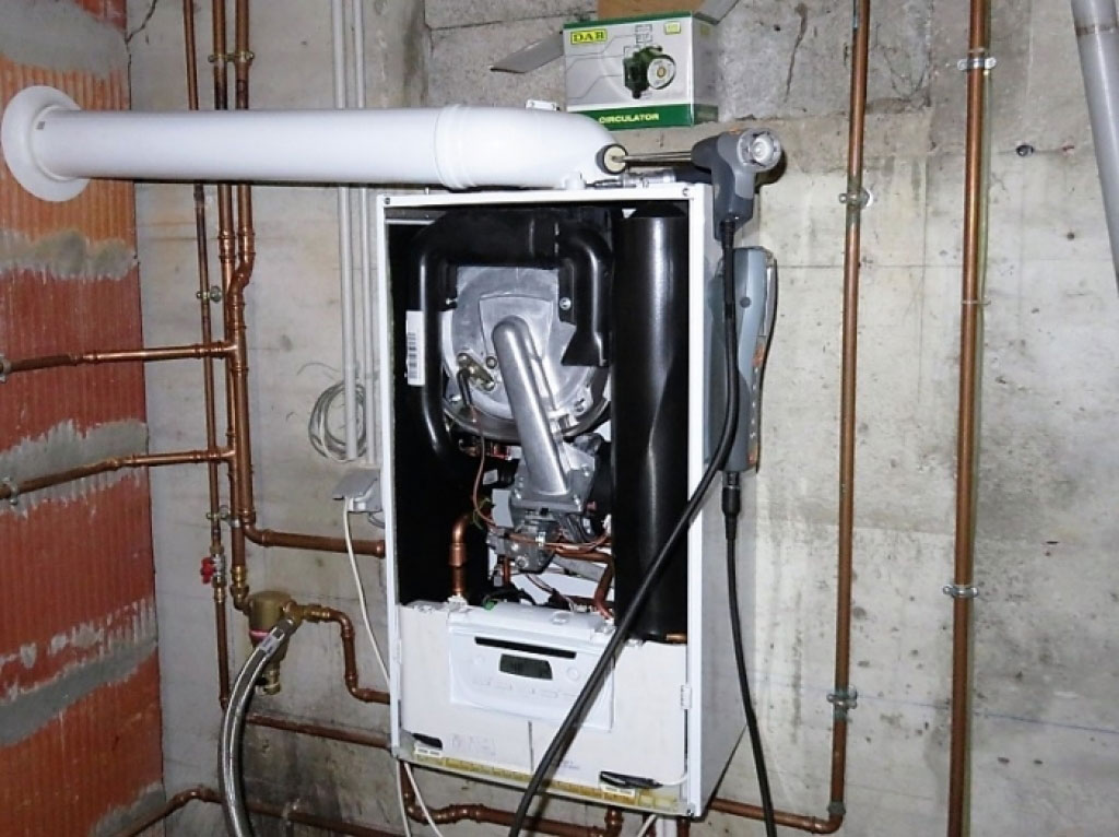 Installateur Qualigaz - Entretien chaudière gaz condensation saunier duval thema plus conden F30 à 38280 villette d\'anthon
