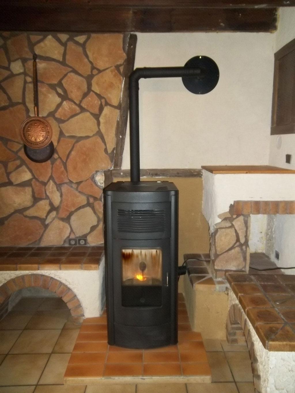 installation entretien po le granul de bois pellets commelle en is re rge qualibois 38. Black Bedroom Furniture Sets. Home Design Ideas