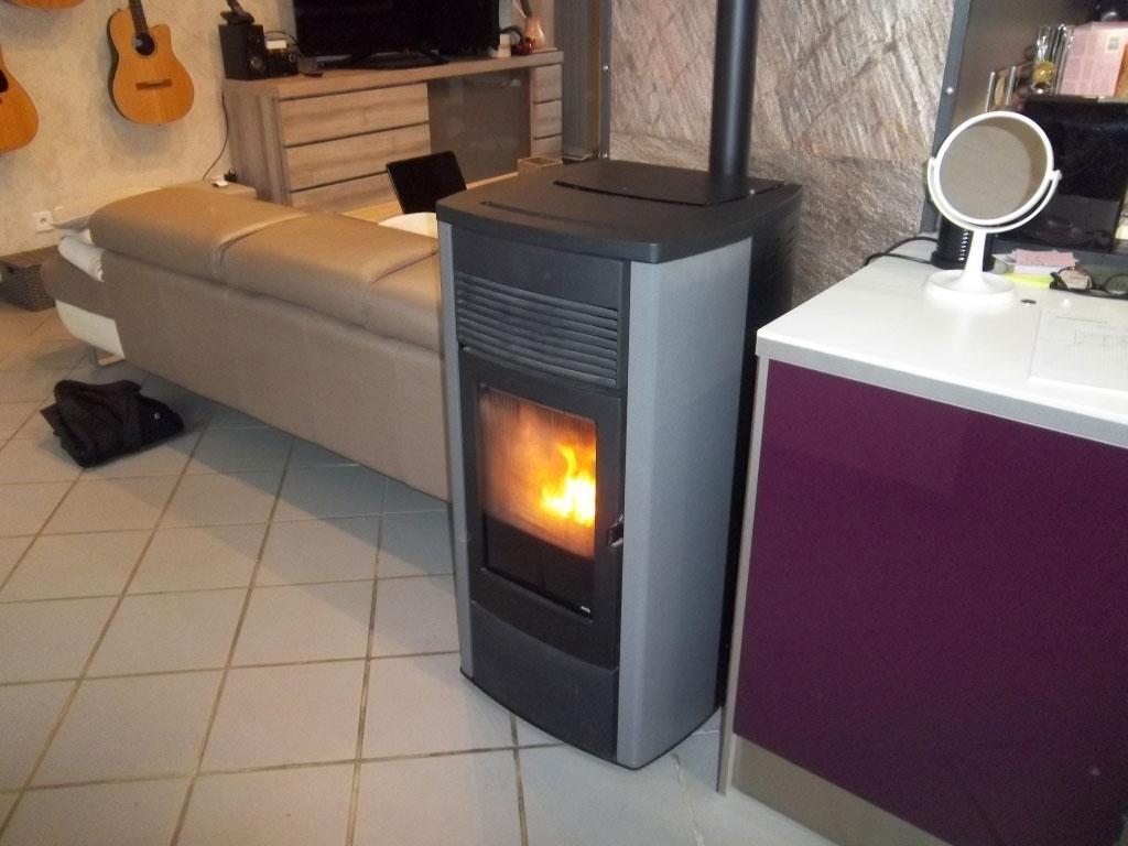 installateur po le granul de bois mcz ego 2 0 saint cassien entretien d pannage ramonage. Black Bedroom Furniture Sets. Home Design Ideas