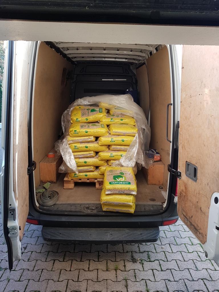 Livraison de granule de bois en sac sur le Nord-Isère