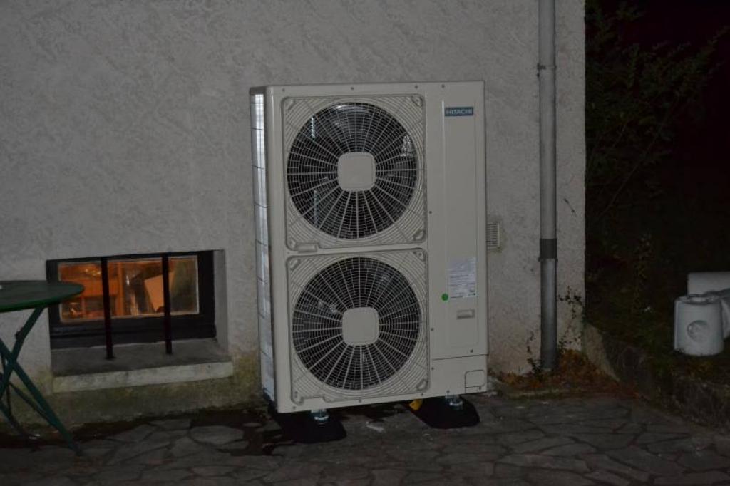 Pompe a chaleur (PAC) Air Eau  (Aérothermie)  et Chauffe eau Thermodynamique