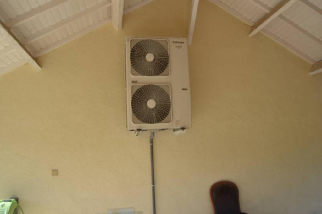 Pompe à chaleur (PAC) Air Eau  (Aérothermie) de marque Toshiba