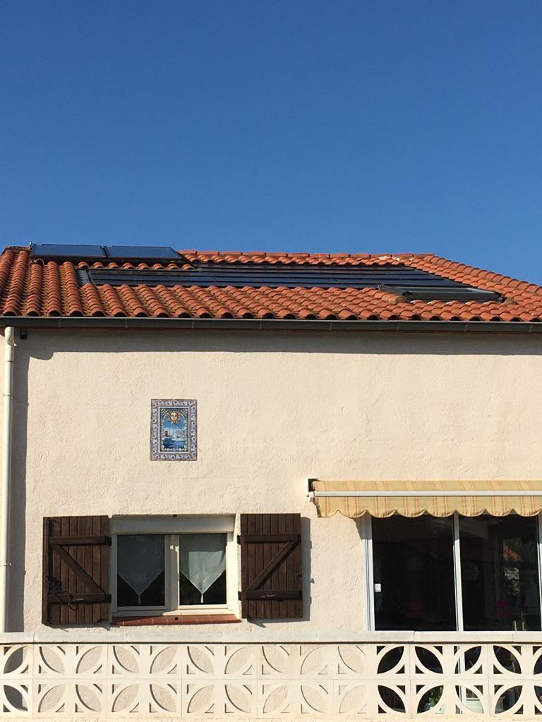 Reprise d'étanchéité d'une installation photovoltaïque en toiture.