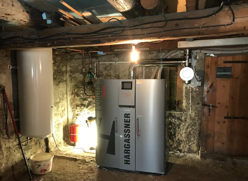 Installation chaudière à granulés 15kW de Hargassner au Maurels