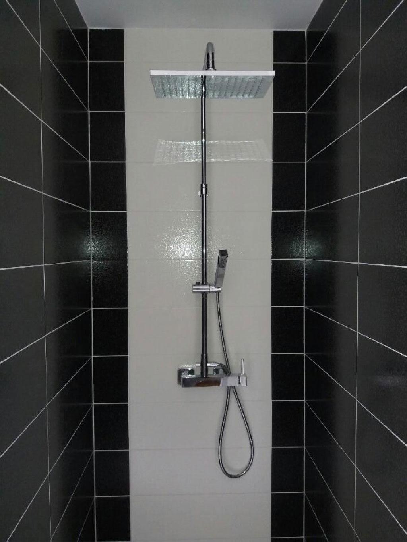 Douche à l'italienne, rénovation de salle de bain carreleur plombier à Charmes 88130