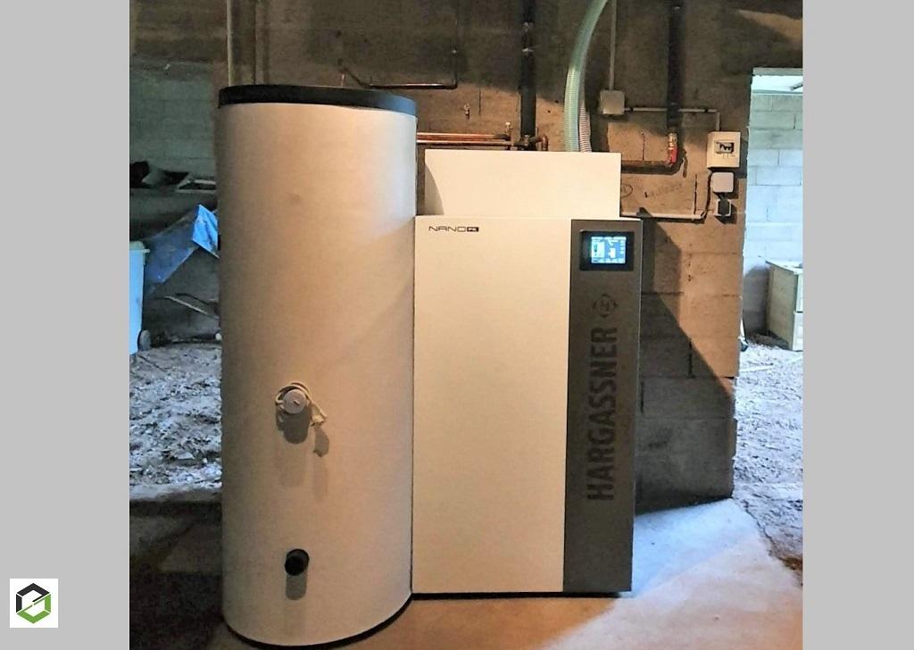 Chauffagiste : installation d'une chaudière à granulés Hargasssner
