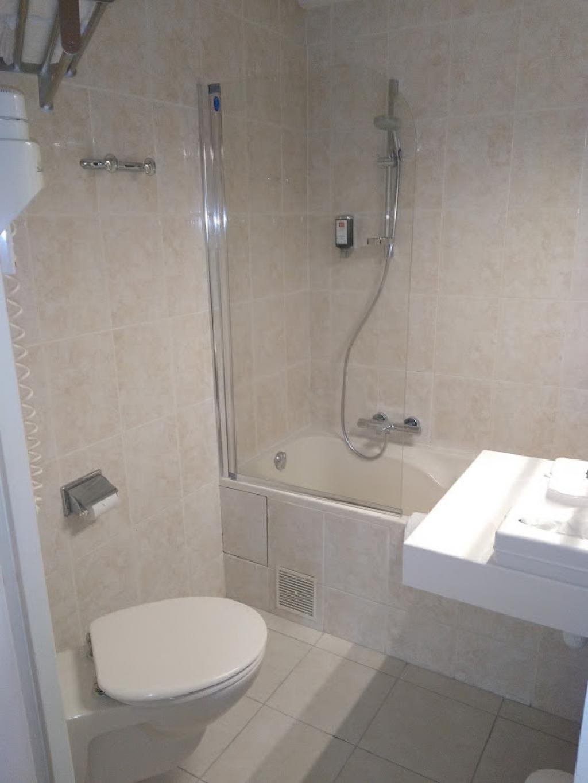 Fourniture et pose sanitaire rénovation salle de bain hôtel Victor