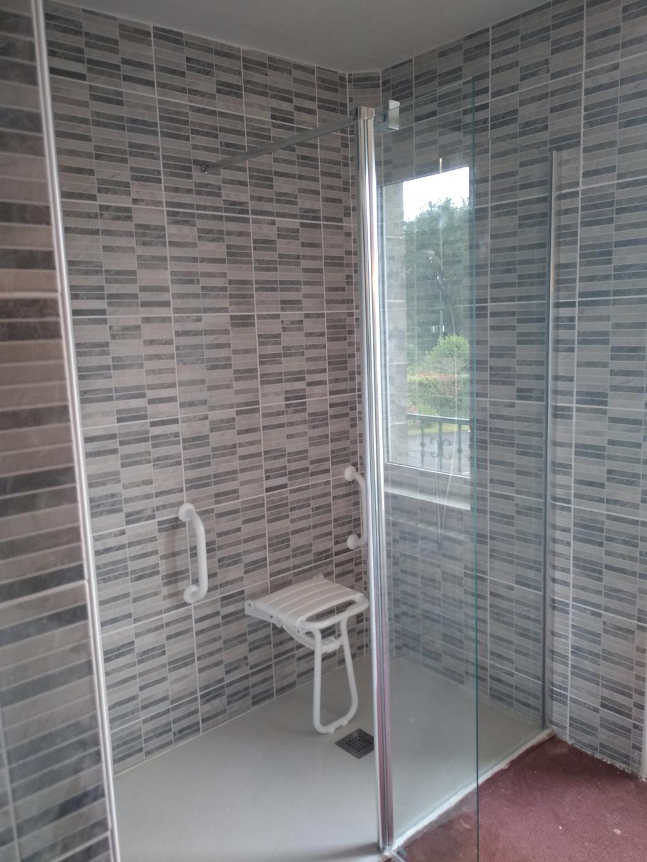 Vente installation douche PMR complète quimperlé