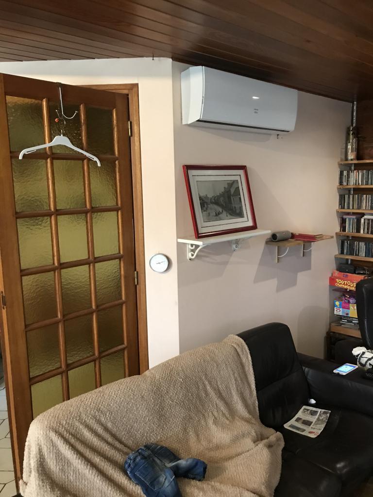 Entreprise RGE - qualipac - chauffage et climatisation réversible PAC air air - installation de cassettes de climatisation salon et chambre - 35340 Liffré  (35)
