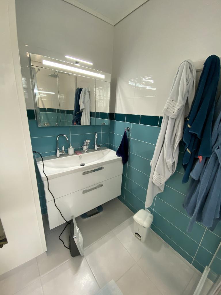 Entreprise plomberie sanitaire - rénovation salle de bain avec douche baignoire et meuble - 35250 Saint-Aubin-d'Aubigné (35)