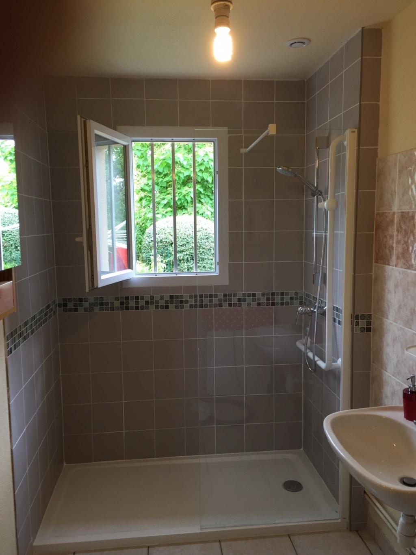Douche l 39 italienne en remplacement d 39 une baignoire - Remplacement d une baignoire par une douche ...