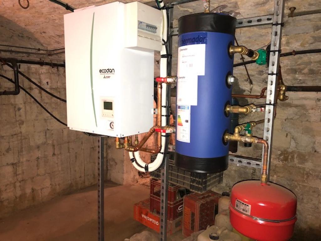 Installation d'une PAC (pompe à chaleur) Air-Eau Mitsubishi Electric 14 Kw  Triphasé pour le chauffage dans le Pas d Calais