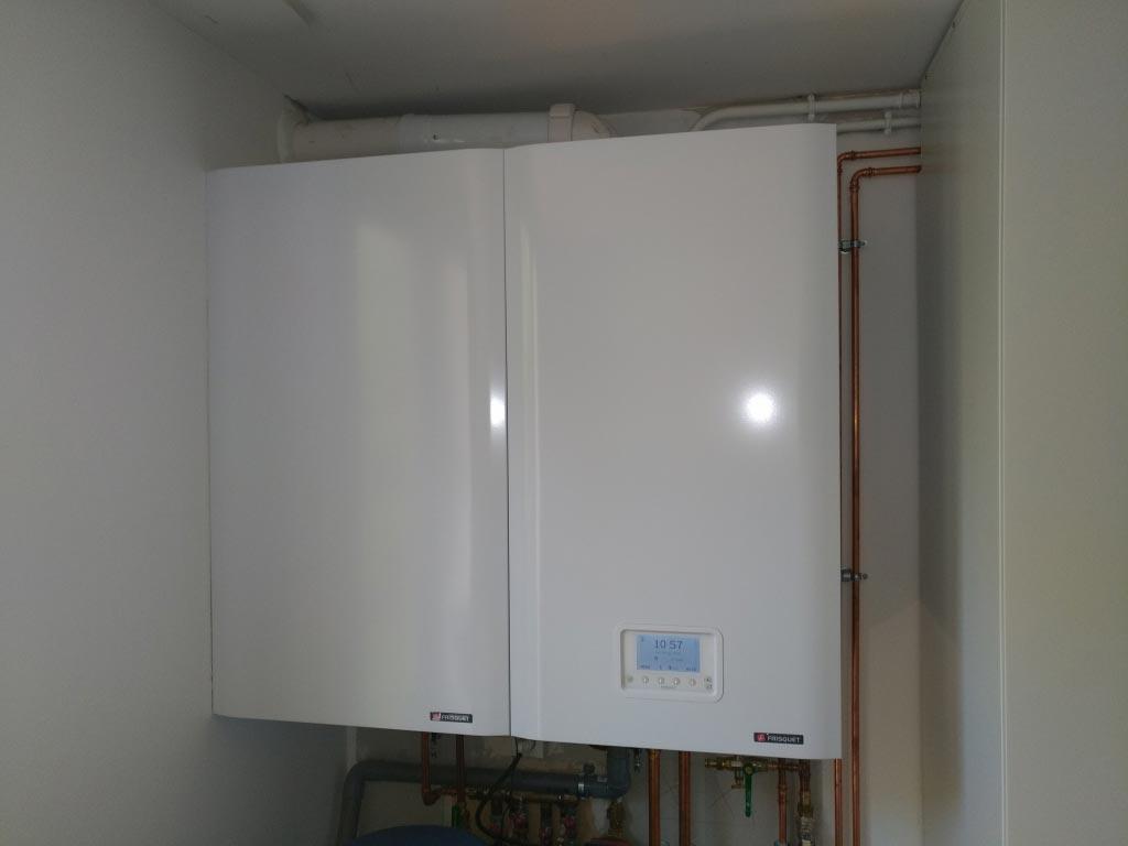 Installation d'un chaudière gaz frisquet hydroconfort visio condensation