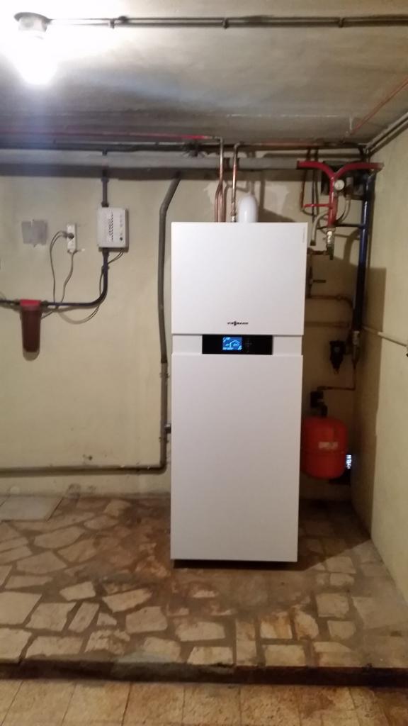 Installation d'une chaudière gaz condensation Viessmann Vitodens 222 F à Dadonville 45 300