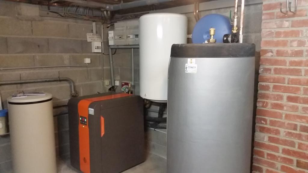 installation d 39 un chauffage centrale avec pompe chaleur eau eau lemasson pithiviers le vieil. Black Bedroom Furniture Sets. Home Design Ideas