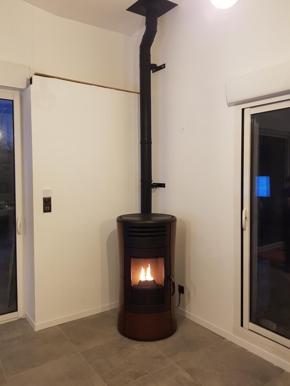 installation d 39 un po le aux granul s de bois pellets. Black Bedroom Furniture Sets. Home Design Ideas
