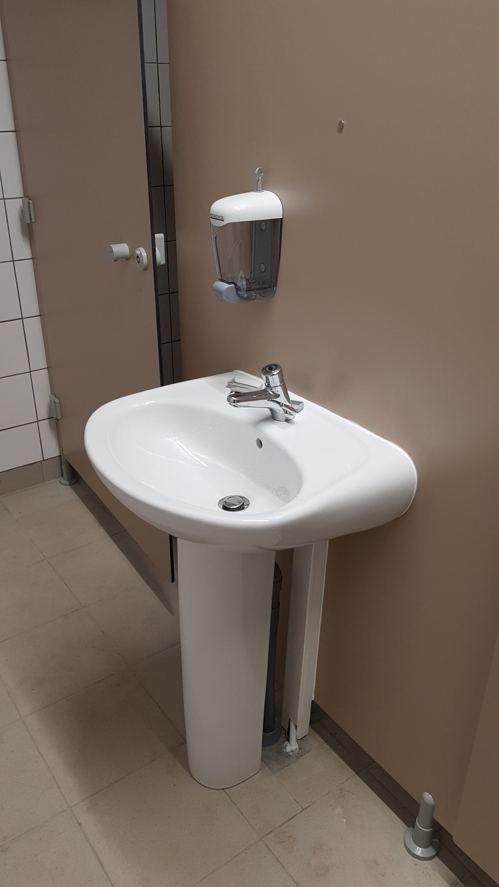 Installation sanitaire pour une collectivité à Coudray 45330 Le Malesherbois