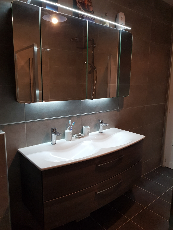 Changement de la salle de bain par une salle d'eau complète de A à Z