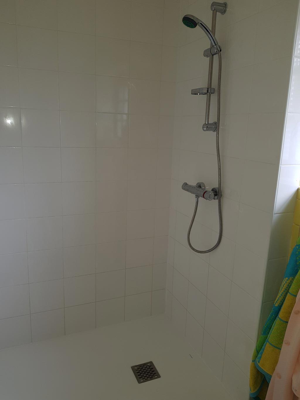 Installation d'une douche PMR