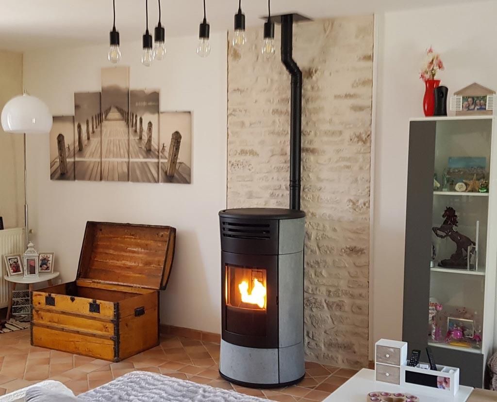 Installation d'un poêle aux granulés de bois Edilkamin Cherie UP Pierre OLLAIRE Hydraulique -Loiret (45)