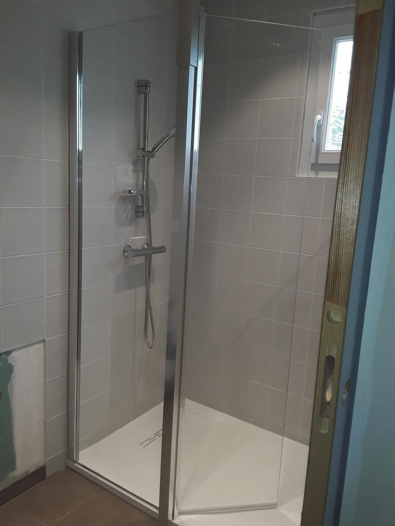 Plombier Chauffagiste : Changement de la salle d'eau par une salle d'eau pour personnes à mobilité réduite à Malesherbes
