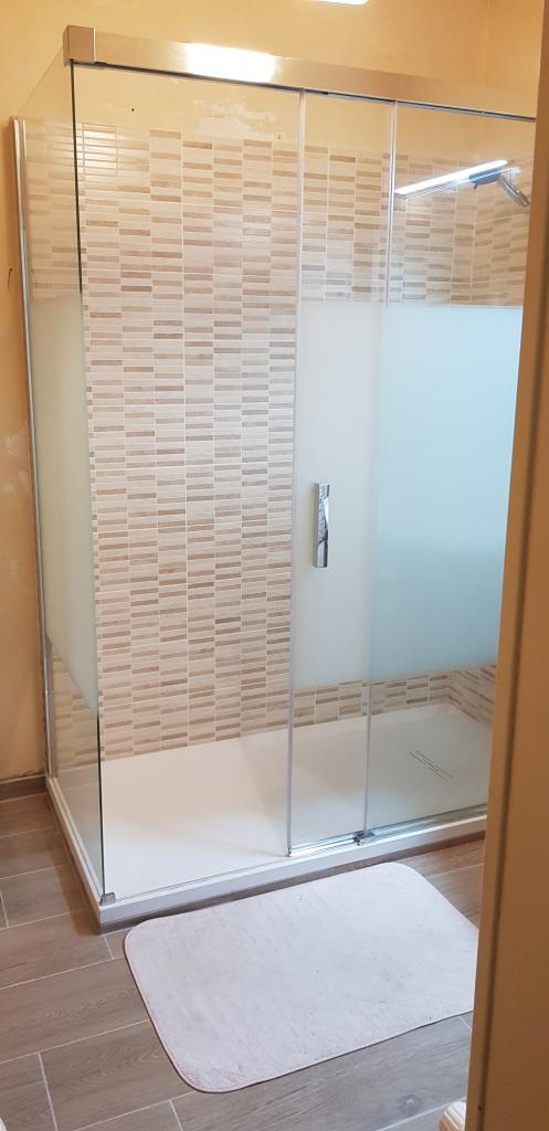 Plombier Installateur : Changement de la vieille salle de bain en salle d'eau à Boissy aux cailles proche de La Chapelle la reine