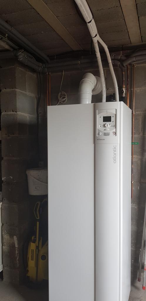 Installateur de pompe à chaleur Hybride : Changement de la chaudière gaz par une pompe à chaleur hybride gaz condensation Atlantic à Malesherbes 45330 Le Malesherbois