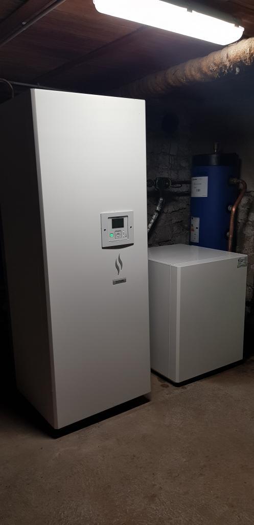 Installateur Frigoriste PAC : Installation d'une pompe à chaleur HITACHI YUTAKI S 80 à la place d'une chaudière fioul et bois à LAAS