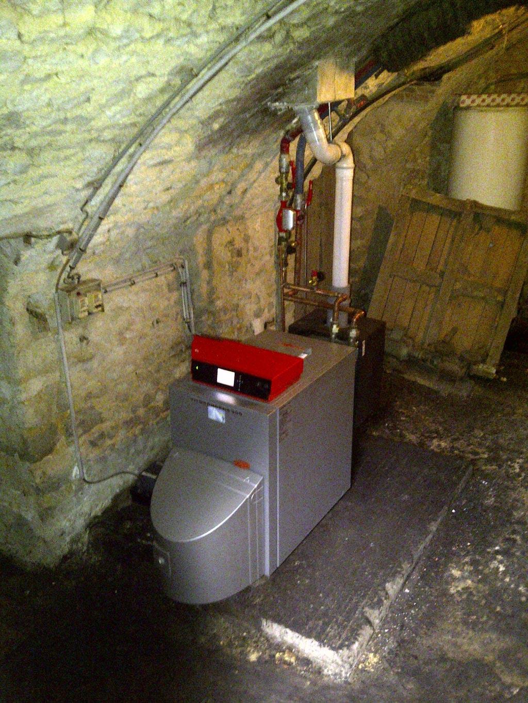 Changement d\'une chaudière fioul par une chaudière condensation fioul Viessmann à Audeville 45