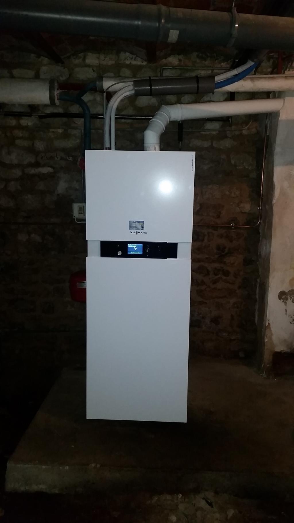 Pompe à chaleur PAC hybride gaz condensation Viessmann à Courcelles 45