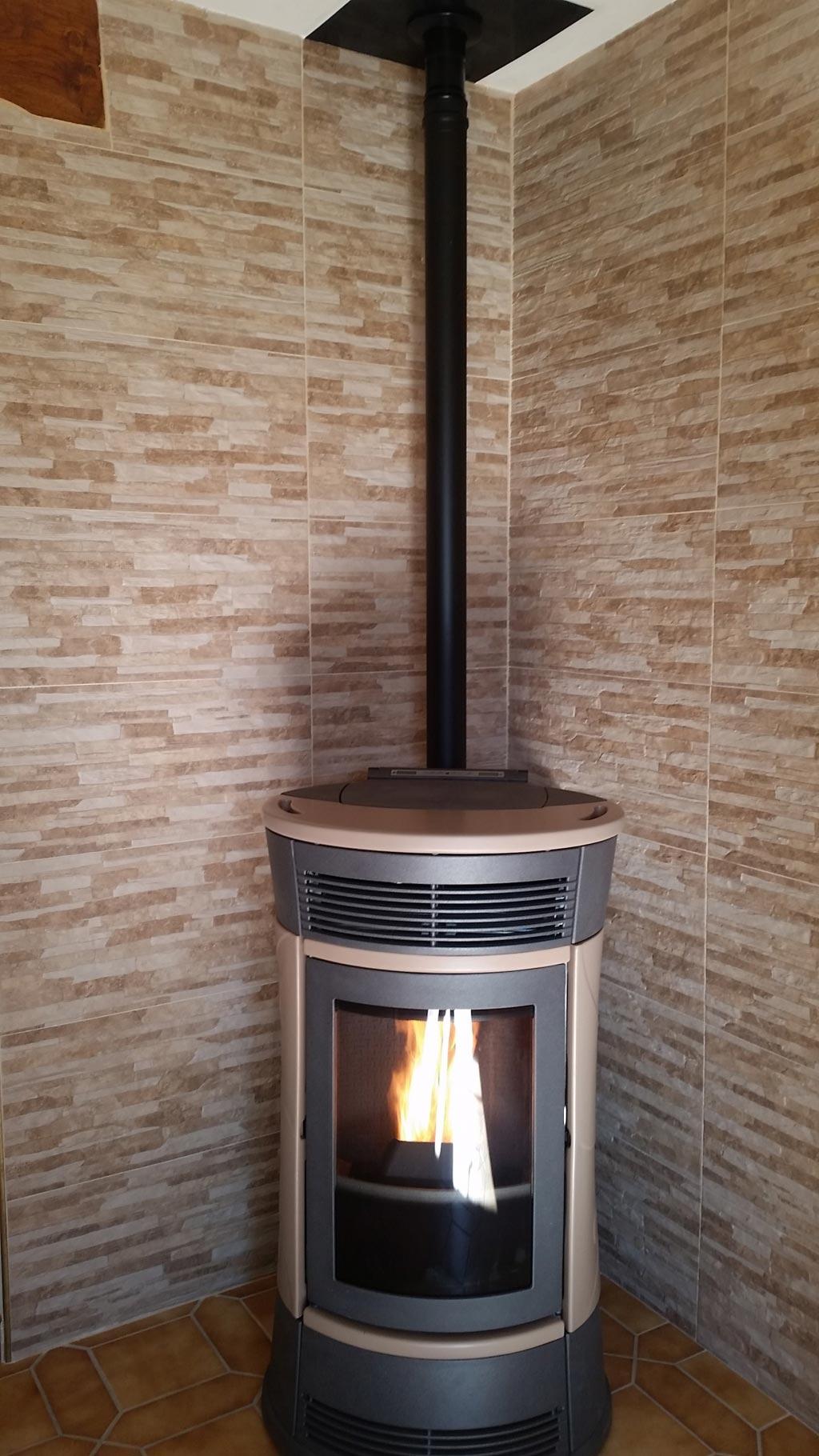 Poêle à granulés de bois pellets Edilkamin à Puiseaux 45